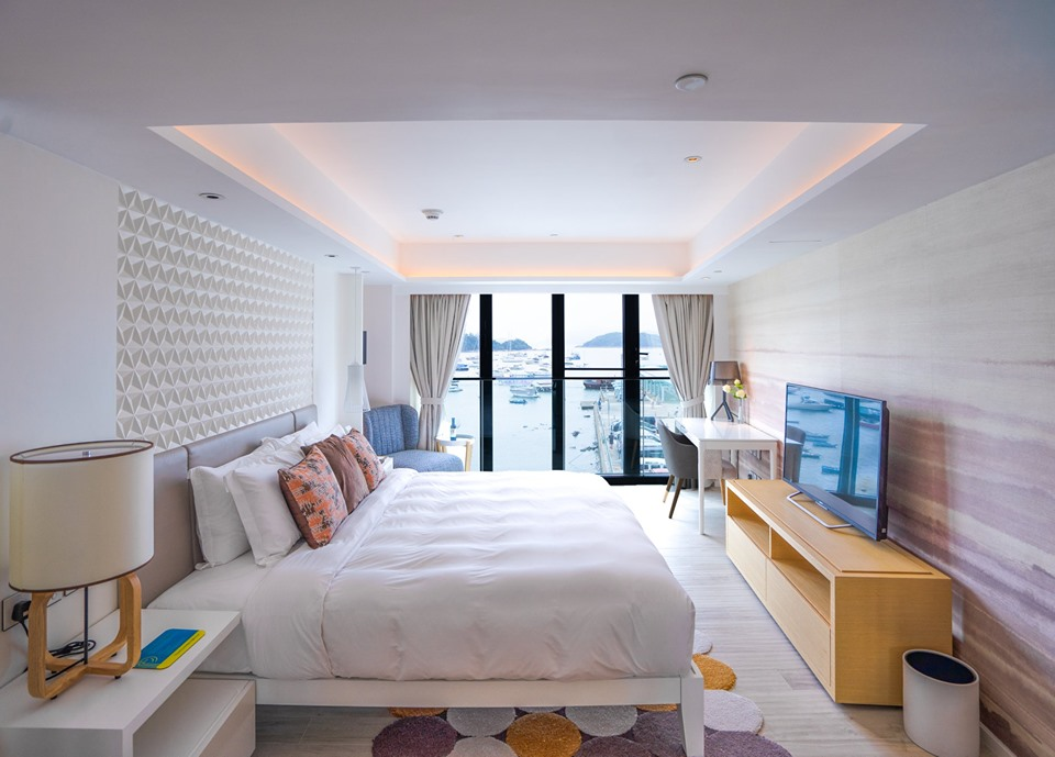 The Pier Hotel Guest Room