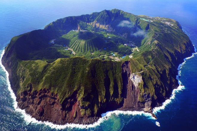 Aogashima-Japan-2-1