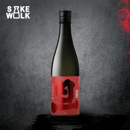 DAN Yamahai Junmai Ginjo Aiyama is a sake brewed by traditional Yamahai method to gain unique acidity flavor on palate