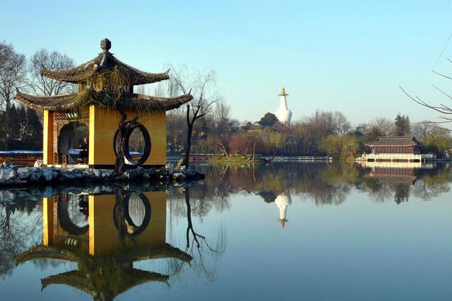 Slender Lake Yangzhou